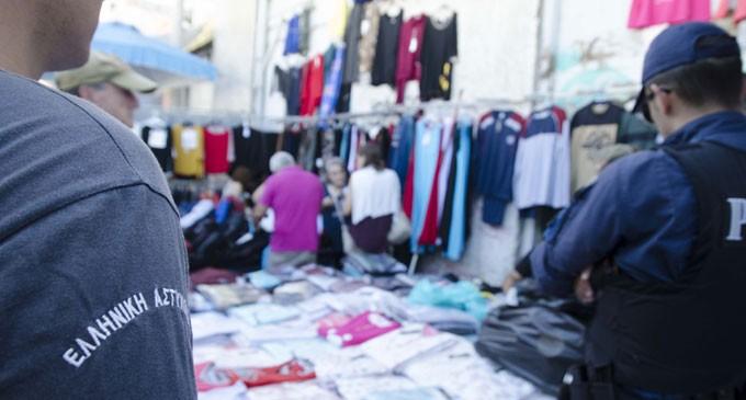 Ειδική επιχειρησιακή δράση στον Πειραιά από την ΕΛ.ΑΣ. για την καταπολέμηση του παρεμπορίου (φωτο)