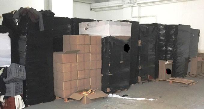 Εντοπίσθηκε αποθήκη με λαθραία καπνικά προϊόντα στην Κηφισιά – Κατασχέθηκαν 83.680 πακέτα τσιγάρα!