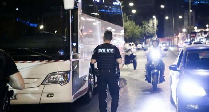 Παραδόθηκε ο πιστολέρο που άνοιξε πυρ κατά λεωφορείου έξω από το Caravel