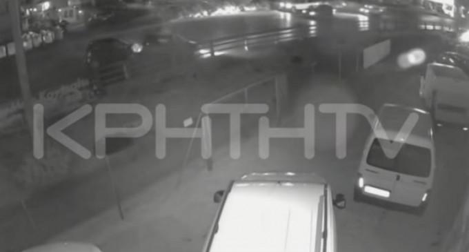 Συγκλονιστικό βίντεο ντοκουμέντο από θανατηφόρο τροχαίο – Σκληρές εικόνες με νεκρό οδηγό μηχανής