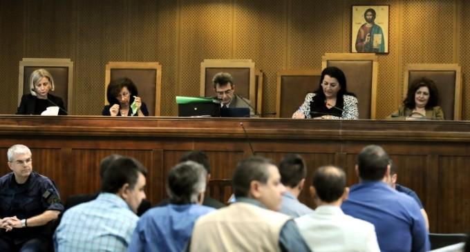 Εισαγγελέας στη δίκη της ΧΑ για το «συνεργείο»: Μίχος, Λαγός θα πρέπει να απαλλαγούν με το νέο Ποινικό Κώδικα