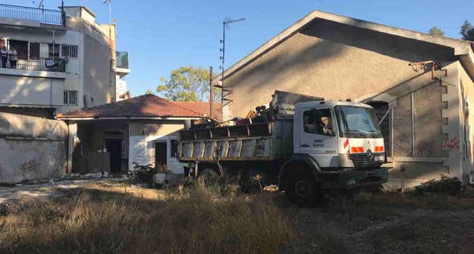 Συντονισμένη επιχείρηση του Δήμου Πειραιά και της ΕΛ.ΑΣ. για την απομάκρυνση καταληψιών  από το πρώην στρατόπεδο Παπαδογιωργή