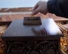 Η κρίση «χτύπησε» τους πιστούς: Ρίχνουν κουμπιά στα παγκάρια της Εκκλησίας!