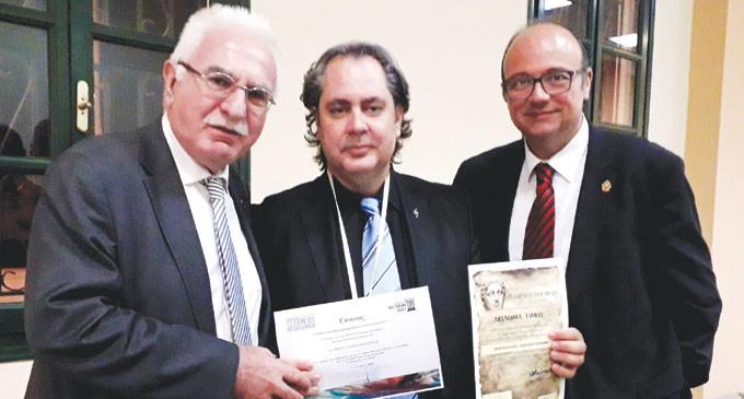 Νίκος Αμοργιανός: Τιμήθηκε με το χρυσό μετάλλιο του Μεγάλου Αλεξάνδρου για την προσφορά του στον Πολιτισμό