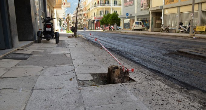 Επισκευή Πεζοδρομίων: Πότε είναι υπεύθυνος ο Δήμος και πότε ο ιδιοκτήτης της παρόδιας κατοικίας