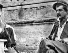 Ο Πολάκης τρολάρει τον Μπάμπη Παπαδημητρίου και «καπνίζει» ναργιλέ με τον Τσίπρα