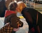 Ρένα Δούρου: Ξημερώματα στο λιμάνι για να υποδεχτεί πρόσφυγες