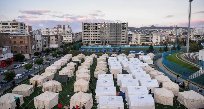 Σεισμός στην Αλβανία: Θρήνος για τους 25 νεκρούς – Σε δομές φιλοξενίας οι σεισμόπληκτες οικογένειες