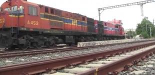 Ρέντη: Παραβίασε φυλασσόμενη διάβαση και συγκρούστηκε με το τρένο