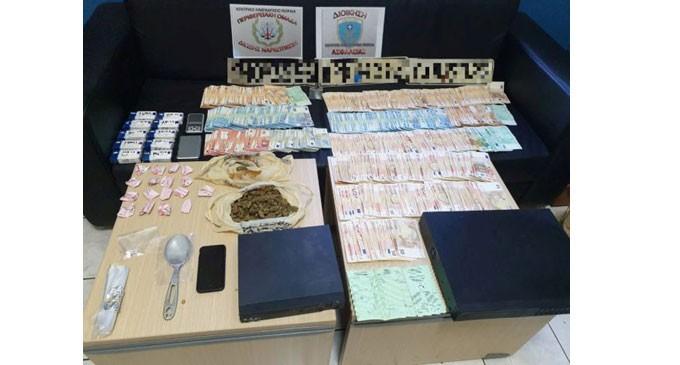 Συλλήψεις τεσσάρων ημεδαπών για ναρκωτικά στον Πειραιά