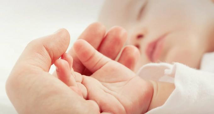 Επίδομα γέννησης 2.000 ευρώ: Οι δικαιούχοι, η αίτηση και πώς θα καταβάλλεται