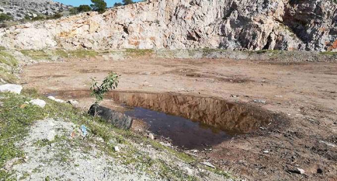 Περιφέρεια Αττικής: Έκλεισε παράνομη χωματερή στη Σαλαμίνα