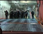 Επεισόδια ΜΑΤ και οπαδών μέσα στο πλοίο (βίντεο)