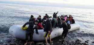 Λέσβος: 33 μέλη ΜΚΟ στον Εισαγγελέα για συμμετοχή σε κύκλωμα παράνομης εισόδου μεταναστών