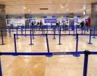 Μπάχαλο με τα έντυπα καραντίνας στο «Ελ. Βενιζέλος» – 100 επιβάτες από Βρετανία δεν καταγράφηκαν