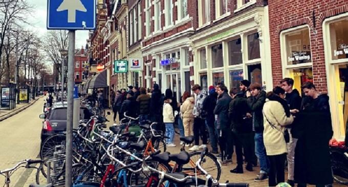 Ολλανδία – κορωνοϊός: Ουρές για μαριχουάνα, μετά το χαρτί υγείας και τα μακαρόνια