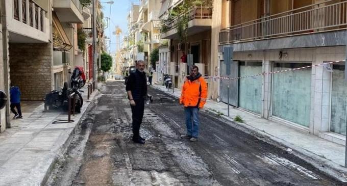 """Αυτοψία Δημάρχου Γιάννη Μώραλη στα νέα έργα ασφαλτοστρώσεων στην Β"""" Δημοτική Κοινότητα"""