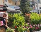 Αναπλάσεις πρασίνου και φυτεύσεις εποχιακών λουλουδιών από το Δήμο Πειραιά