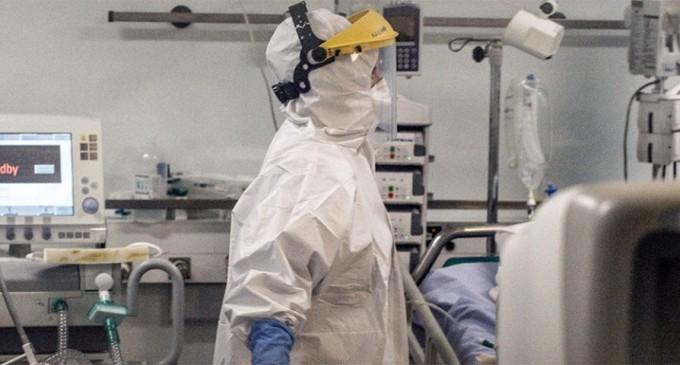 Αδειάζουν τα νοσοκομεία από ασθενείς με κορωνοϊό – Μετριασμένη η διασπορά