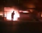 Μεγάλη φωτιά σε ταβέρνα στο Μικρολίμανο (βίντεο)