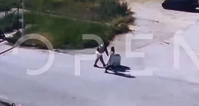 Φυλακές Νιγρίτας: Σωφρονιστικός σέρνει καρότσι κρατουμένου με… ψώνια από σούπερ μάρκετ! (βίντεο)