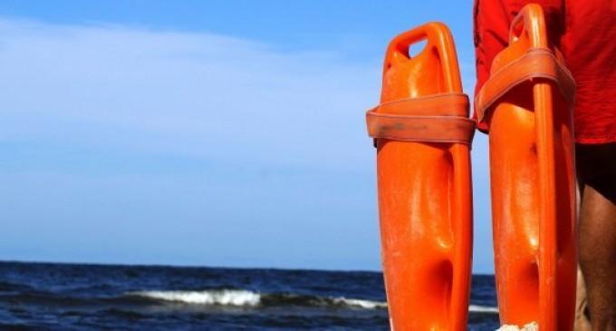 Κραυγή αγωνίας από ναυαγοσώστες για το καλοκαίρι στις παραλίες – Τι απαντούν οι δήμοι