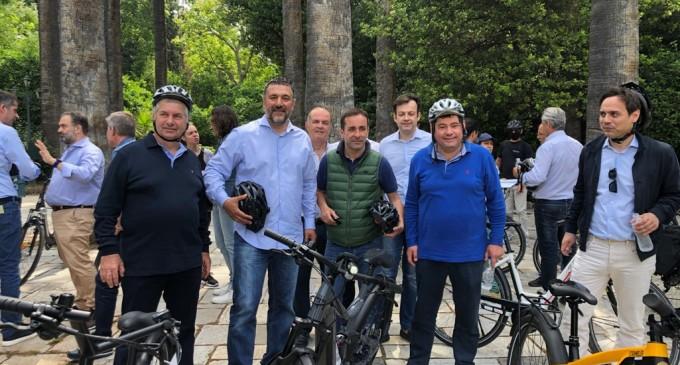 Ο Δήμαρχος Παλαιού Φαλήρου Γιάννης Φωστηρόπουλος στην κεντρική εκδήλωση της ΚΕΔΕ για το ποδήλατο