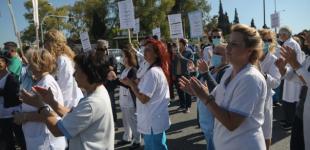 ΠΟΕΔΗΝ: Συγκέντρωση έξω από το «Σωτηρία» – Οδηγοί χειροκρότησαν τους διαμαρτυρόμενους