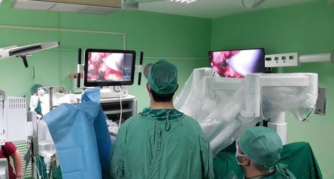 Πρωτοποριακή ρομποτική επέμβαση στο Νοσοκομείο ΜΕΤΑΞΑ