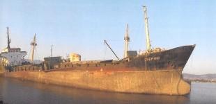 Συνεχίζονται οι προσπάθειες για την απομάκρυνση των επικίνδυνων και επιβλαβών πλοίων στην Ελευσίνα