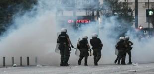 87 βόμβες μολότοφ δέχθηκαν οι αστυνομικοί – Ανακοίνωση τής ΓΑΔΑ