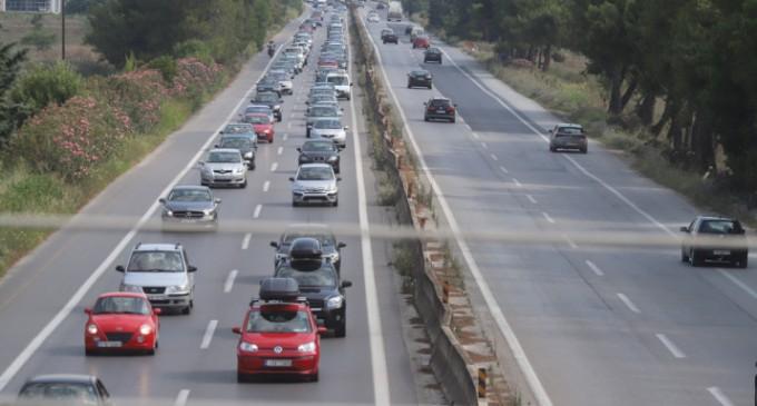 ΑΑΔΕ: Παράνομα ένα στα τρία αυτοκίνητα με ξένες πινακίδες