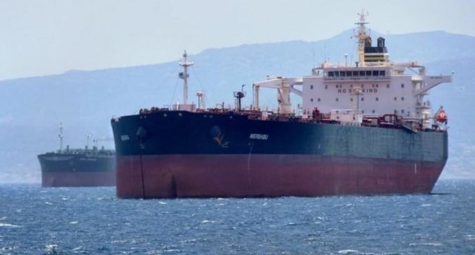 Πλοίο με κρούσματα κορωνοϊού παραμένει αγκυροβολημένο έξω από το λιμάνι του Πειραιά