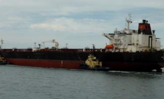 Κορωνοϊός: Υγειονομική «βόμβα» στον Πειραιά – Αυτό είναι το τάνκερ όπου εντοπίστηκαν 16 νέα κρούσματα