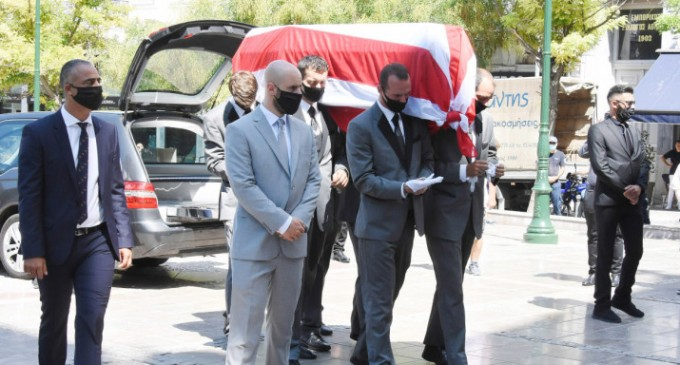 Το τελευταίο αντίο στον Σάββα Θεοδωρίδη – Στη Μητρόπολη Αθηνών η κηδεία του
