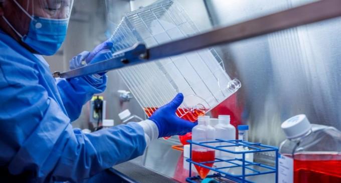 Πώς θα εμβολιαστούν 7 δισ. άνθρωποι; – Ένα από τα δυσκολότερα εγχειρήματα στην ιστορία