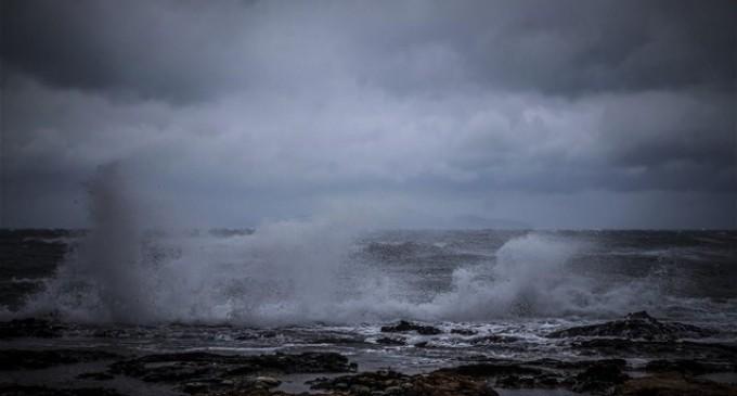 Ν. Χαρδαλιάς: Συνεχίζεται η μάχη στα νησιά- Δεύτερο μέτωπο της κακοκαιρίας στην κεντρική Ελλάδα