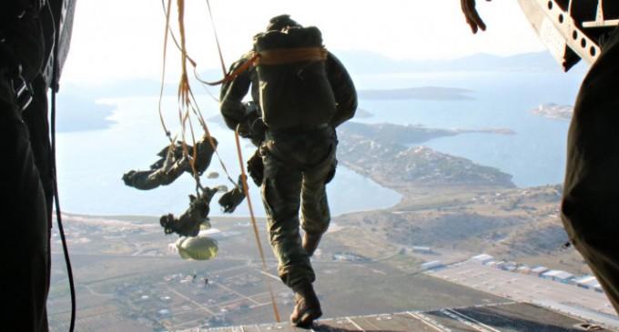 Τραγωδία στις Ένοπλες Δυνάμεις: Νεκρός αλεξιπτωτιστής που είχε παρασυρθεί από ισχυρούς ανέμους