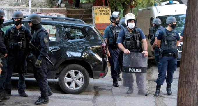 Εικόνες από την εκκένωση κτιρίου που τελούσε υπό κατάληψη στο Παγκράτι