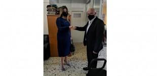 Η Σοφία Ζαχαράκη στα γραφεία της Διεύθυνσης Πρωτοβάθμιας Εκπαίδευσης Πειραιά