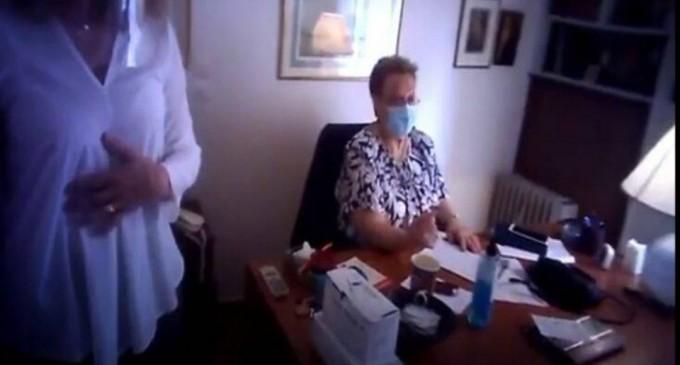 Ντου του Ρουβίκωνα στο ιατρείο της Γιαμαρέλλου – Κικίλιας: Οι θρασύδειλοι δε μας τρομοκρατούν