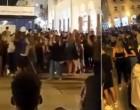 Κορωνοϊός: Τρομερός συνωστισμός στην πλατεία Αριστοτέλους το βράδυ του Σαββάτου