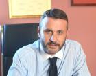 Ο Δήμαρχος Σαλαμίνας απαντά με διευκρινίσεις στο ζήτημα των κρουσμάτων covid-19 σε σχολείο