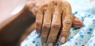 Γυναίκα 102 ετών νίκησε τον κορονοϊό: «Λεβεντιά η γιαγιά, Σουλιώτισσα» λέει η νύφη της