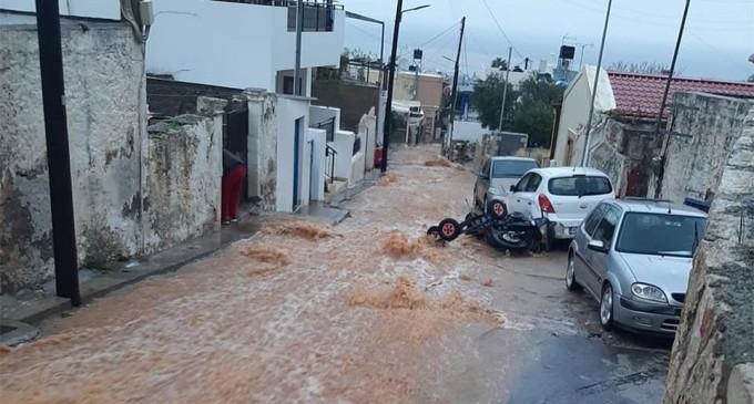 Δοκιμάζεται πάλι η Κρήτη – Κινδυνεύουν άνθρωποι στη Χερσόνησο (φωτο)