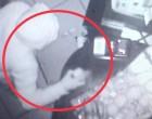 Κουκάκι: Διαρρήκτης δεν βρήκε χρήματα και πήρε… τέσσερα κουτιά γλυκά