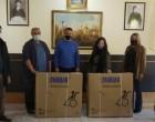 Ο Δήμος Σαλαμίνας εξασφάλισε και παρέδωσε 2 αναπηρικά αμαξίδια