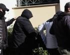 Ελεύθεροι οι δύο κατηγορούμενοι για την αιματηρή επίθεση σε μάντρα αυτοκινήτων στο Περιστέρι