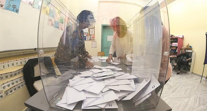Δήμαρχος με 40% – 43% από την πρώτη Κυριακή – Το σχέδιο για τις αυτοδιοικητικές εκλογές