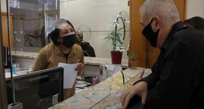 Ο Γ. Μώραλης στο κεντρικό Κ.Ε.Π. του Δήμου Πειραιά